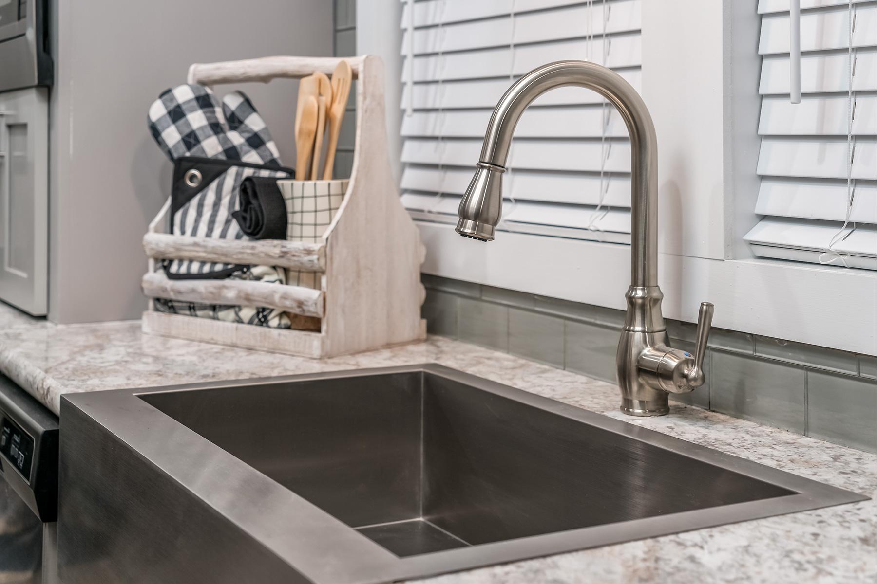 -520-kitchen-sink